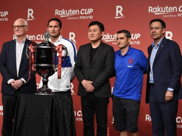 Barcelona y Chelsea en el acto de presentación de la Rakuten Cup