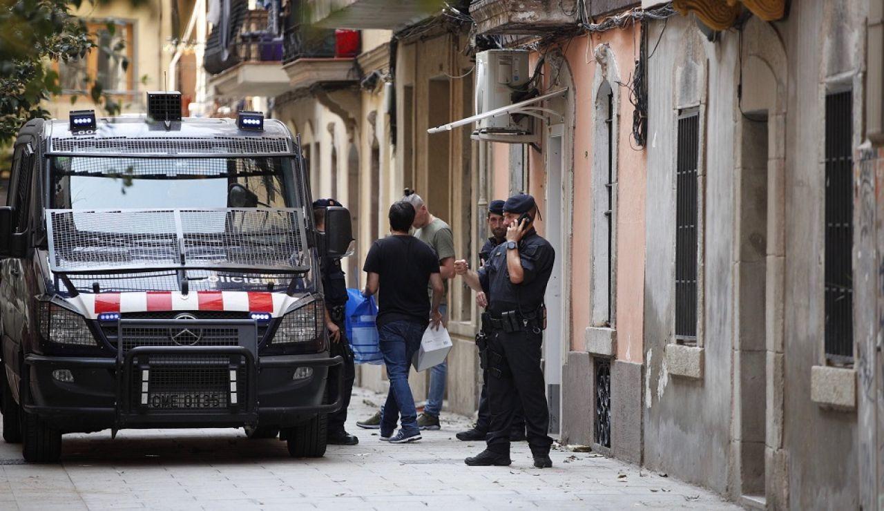 Los Mossos en la operación contra una red de ladrones violentos en Barcelona