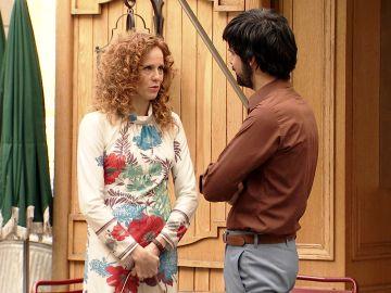 Ana, cada vez más cerca de Vicente al preocuparse por su madre