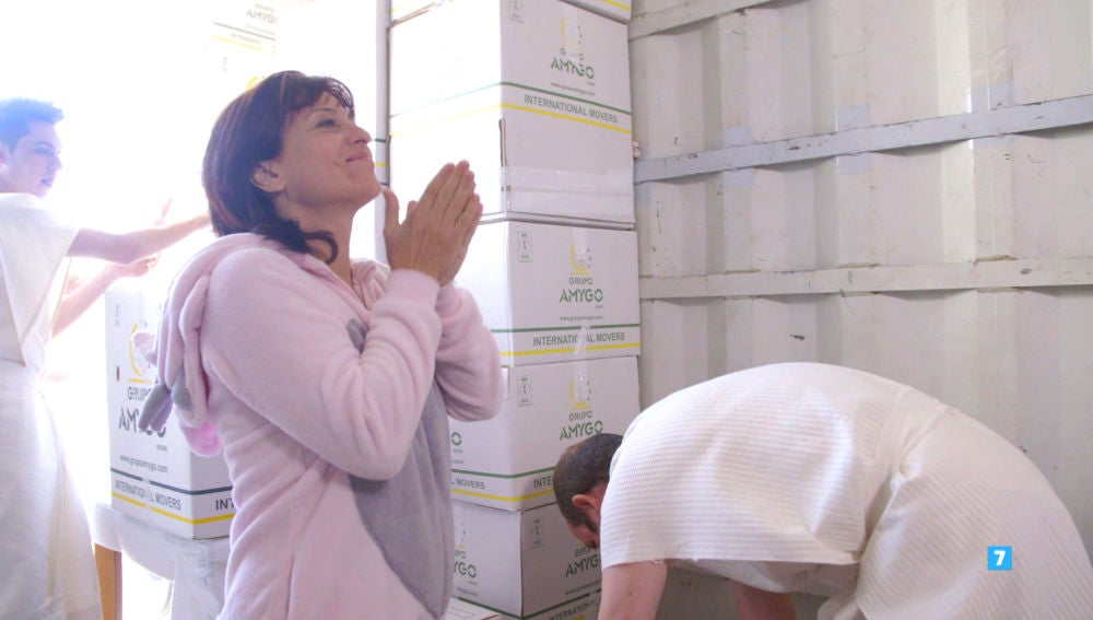 Las familias de 'El Contenedor' se enfrentan a su primer día laboral