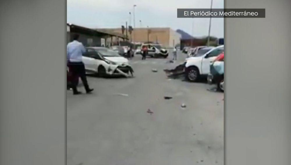Un camionero se estampa contra una fila de nueve coches en la localidad valenciana de Onda