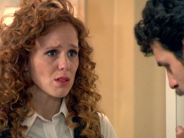Ana ruega a Carlos que le perdone