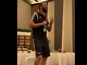 """Higuain cantando el """"Despacito"""" de Luis Fonsi"""