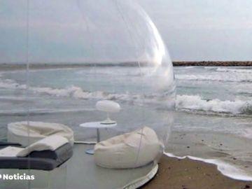 Ofertan una burbuja para dos por 2.000 euros a la semana en Formentera