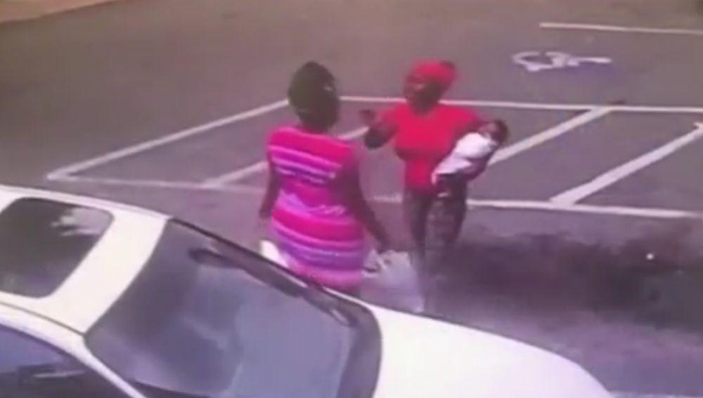 Momento de la pelea que le costó la vida al bebé