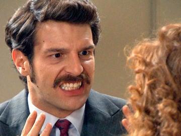 Carlos, incapaz de perdonar a Ana tras confesarle su terrible secreto