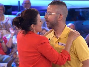"""Silvia Abril, a un concursante: """"Iba a besarte en la boca"""""""