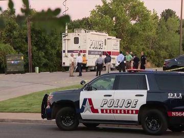 Un policía mata a una mujer cuando pretendía disparar a su perro en Estados Unidos