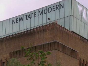 Detenido un adolescente por arrojar a un niño de seis años desde la Tate Modern