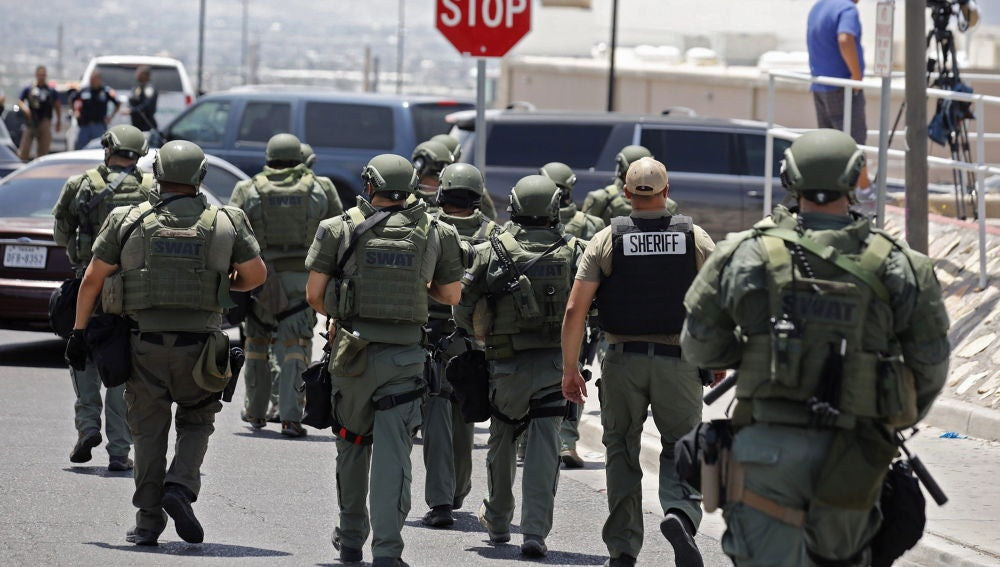 La llegada de las fuerzas de seguridad al tiroteo de Texas