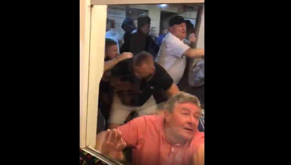 Multitudinaria pelea en Londres