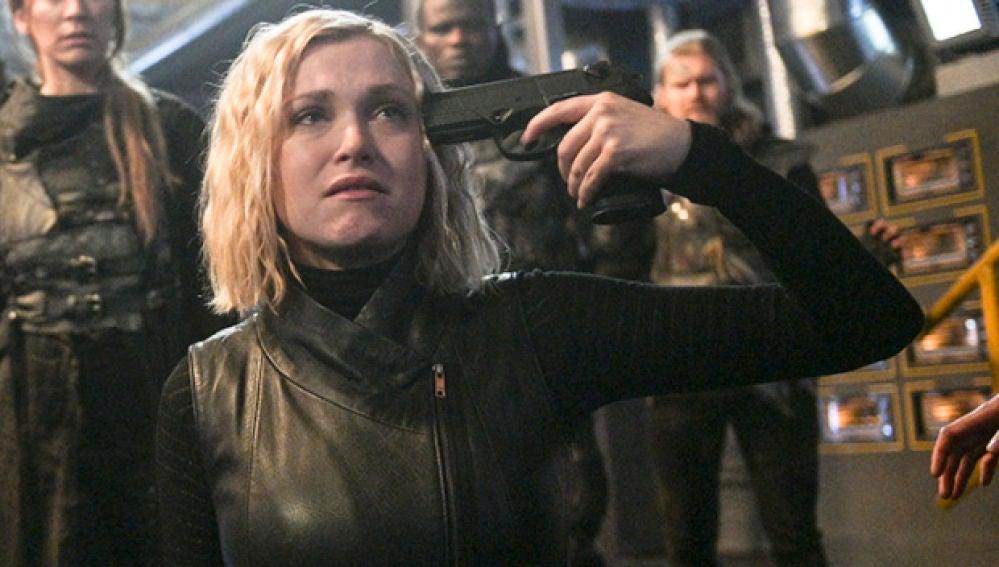 Eliza Taylor en el final de la sexta temporada de 'The 100'
