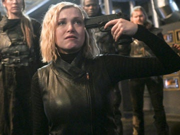 Eliza Taylor en el final de la sexta temporada de 'The 100'
