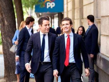 El líder del PP, Pablo Casado, y su secretario general, Teodoro García Egea