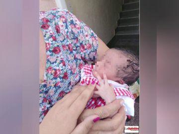 Abandonan a una recién nacida envuelta en una bolsa de supermercado en un portal de Torre de Pacheco