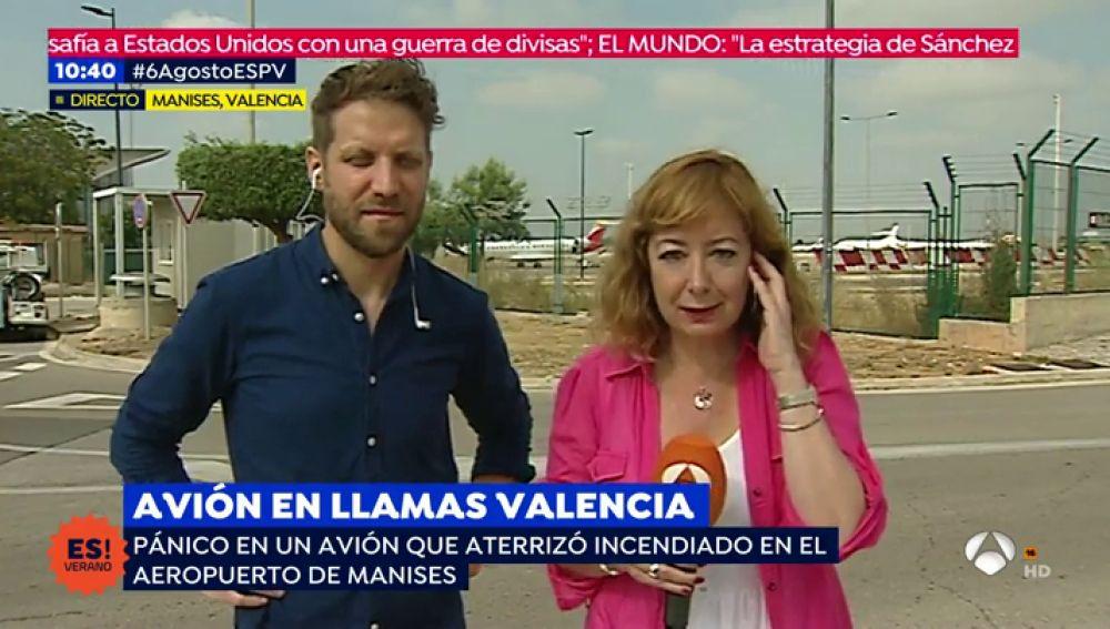 Aterriza un avión incendiado en Valencia