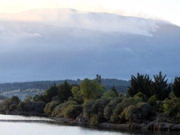 Vista del incendio forestal declarado cerca del Real Sitio de San Ildefonso-La Granja