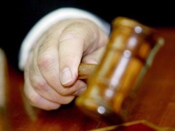 Detalle del mazo de un juez
