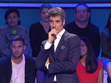 Jorge Fernández canta 'La minifalda' de Manolo Escobar en 'El juego de los anillos'