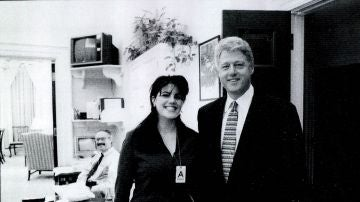 Monica Lewinsky y Bill Clinton en 1998