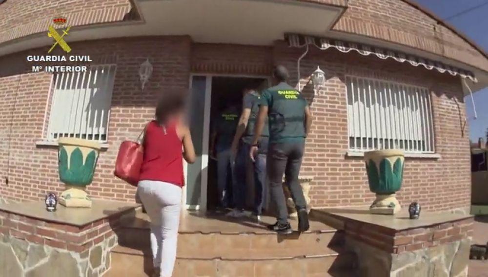 Estafa en la venta de viviendas: Detenida una pareja que decía vender casas de subastas