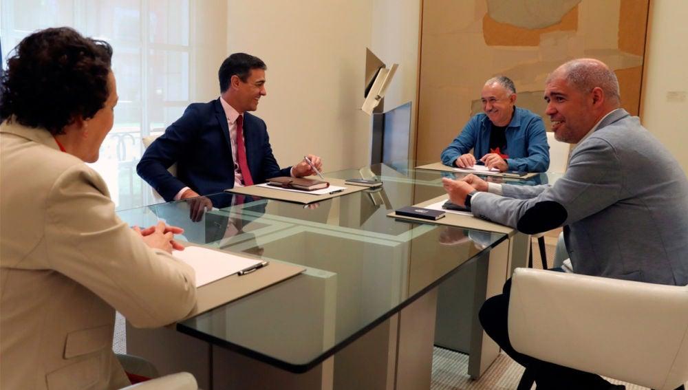 Pedro Sánchez, Magdalena Valerio, Pepe Álvarez y Unai Sordo