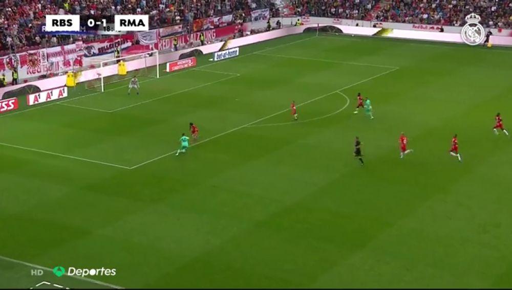 El Real Madrid vence al Salzburgo con el primer gol de Hazard como madridista