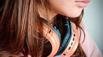 Escuchar música en Earbuds