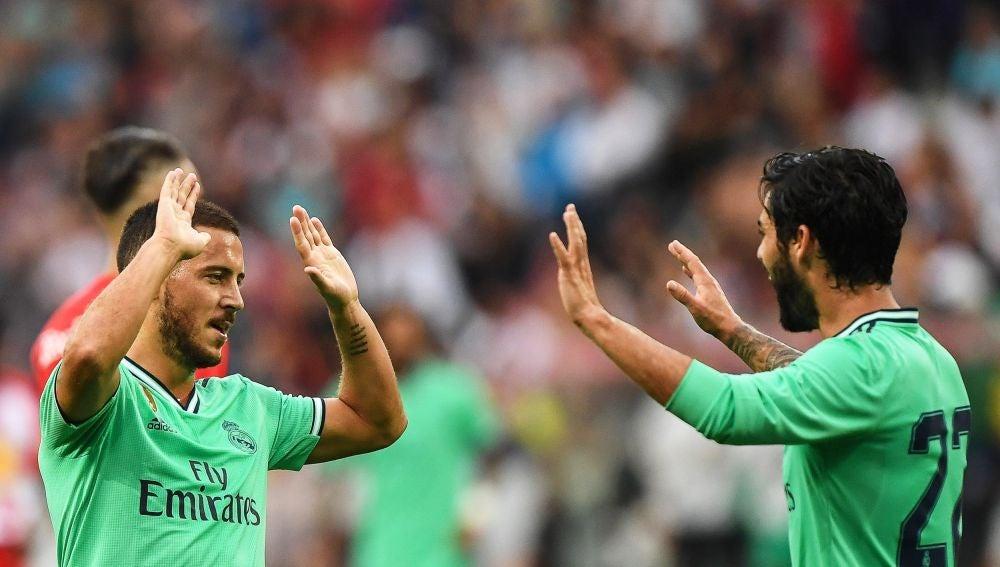 Isco Alarcón y Hazard durante un partido del Real Madrid