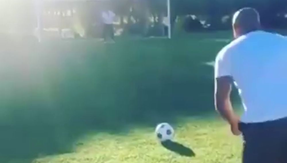 Roberto Carlos repite el 'gol imposible' a Francia que desafió las leyes de la física