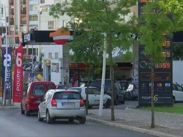 Colas kilométricas en gasolineras portuguesas tras el anuncio de una huelga de transportistas