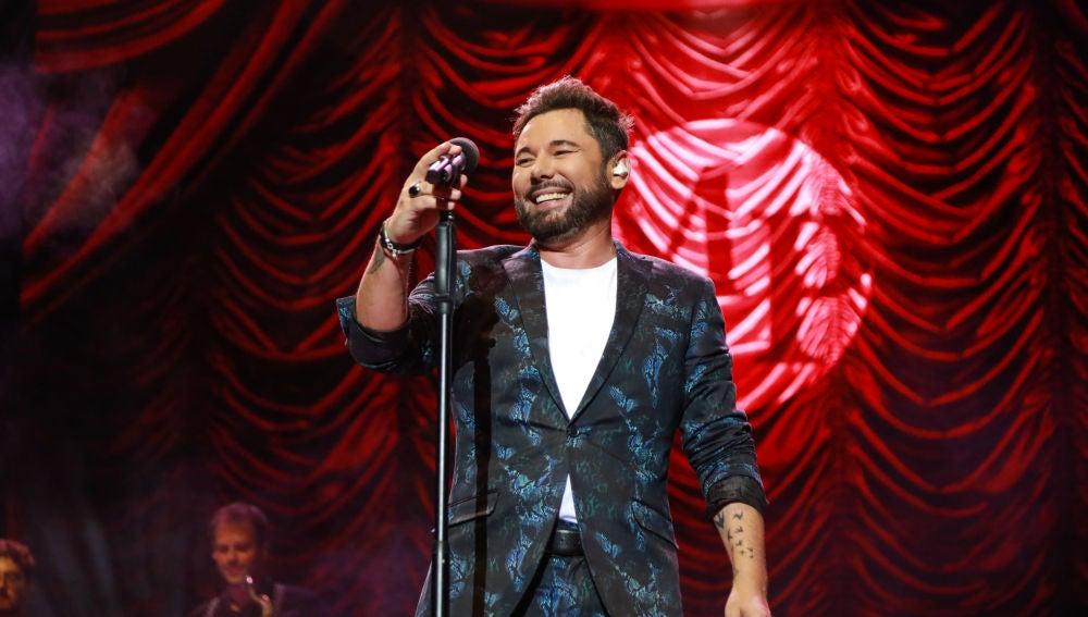 Miguel Poveda impregna Starlite del flamenco y la copla de sus 30 años de carrera