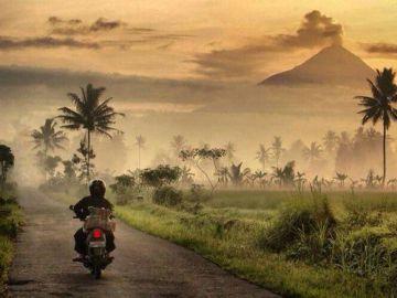 Joven australiano agrede a un motociclista en Bali