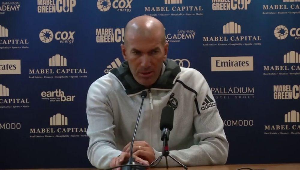 """Zidane, sobre James y Bale: """"Están inscritos los dos, pero puede pasar cualquier cosa"""""""