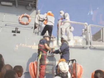 Los 356 migrantres del 'Ocean Viking' ya están en Malta