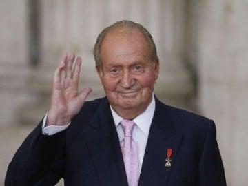 Antena 3 Noticias Fin de Semana (25-08-19) El Rey Juan Carlos pasa la noche en la UCI tras ser operado del corazón