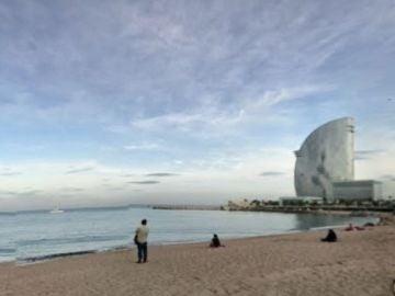 Playa de Sant Sebastiá en Barcelona