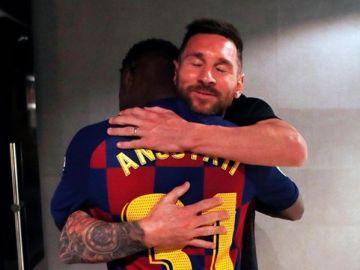 El abrazo de Leo Messi con Ansu Fati