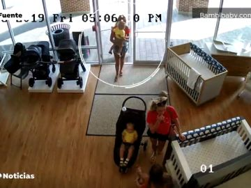 Una madre entra a robar en una tienda con su bebé y se lo olvida dentro en Nueva Jersey, Estados Unidos