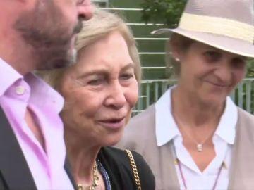 Doña Sofía dice que el rey Juan Carlos está estupendo y con ganas de volver a casa