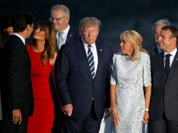 Los mandatarios momentos antes de tomarse la foto grupal al finalizar la cumbre del G7