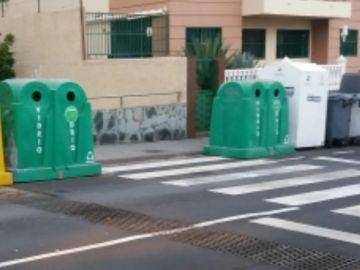Visibilidad Oblicua nula por contenedores de basura