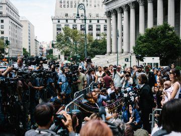 30 víctimas de Epstein cuentan el infierno que vivieron