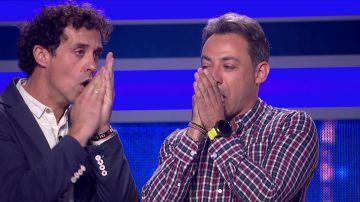 La divertida improvisación de 'beatbox' de dos amigos en 'El juego de los anillos'