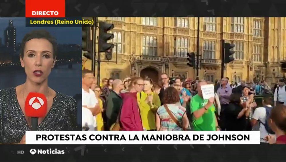 """Los británicos se manifiestan por el """"golpe a la democracia"""" de Boris Jhonson"""