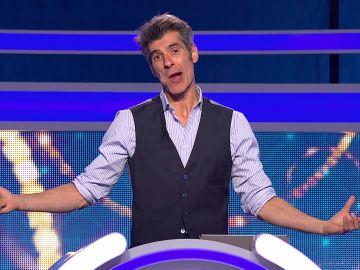 La divertida broma de Jorge Fernández para animar a los concursantes de 'El juego de los anillos'