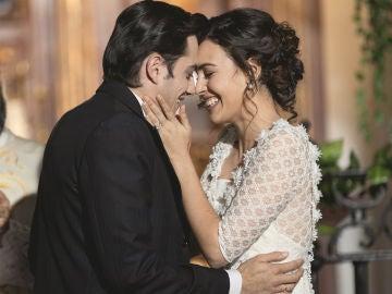 'El secreto de Puente Viejo': Lola y Prudencio se dan el 'sí, quiero' en la última boda de Puente Viejo