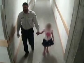 Un agente de seguridad abusa sexualmente de una menor que se había perdido y después la lleva con sus padres