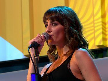 Laura Moure deja alucinado a todo el plató de 'La ruleta de la suerte' tras cantar una versión de 'All my loving'