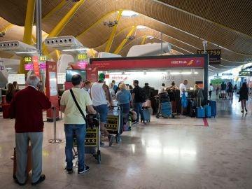 UGT convoca ocho jornadas de protesta para los trabajadores de tierra de Iberia